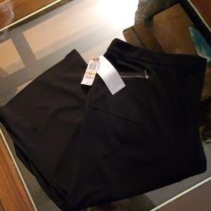 Alfani Woman NWT Capri Black Pants - 24W